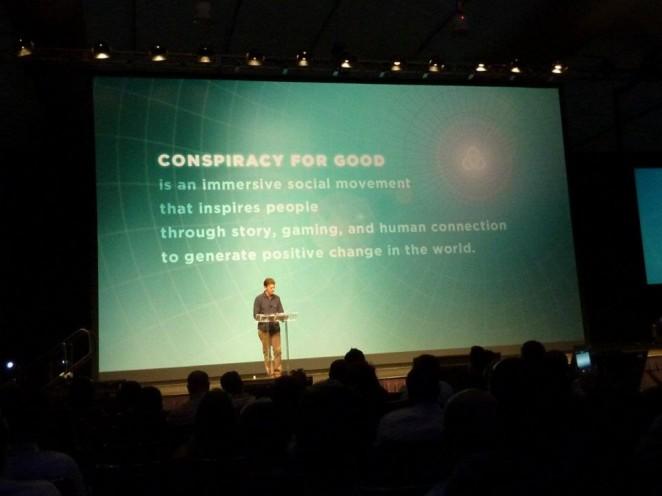 Tim Kring bei seiner Keynote über die Conspiracy For Good